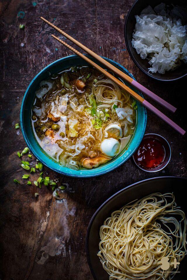 Фотосъемка супа. Фуд-стайлинг, компоновка блюд. Фотограф и фуд-стилист Слава Поздняков.