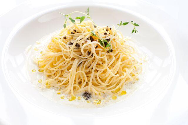 Спагетти с трюфельным маслом в ресторане Bocconcino. Фуд-стилист и фотограф Слава Поздняков