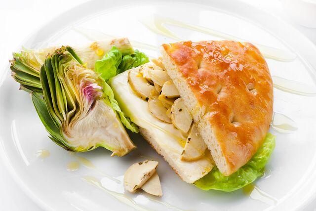 Фотосъемка сендвича для ресторана Bocconcino. Фуд-стилист и фотограф Слава Поздняков