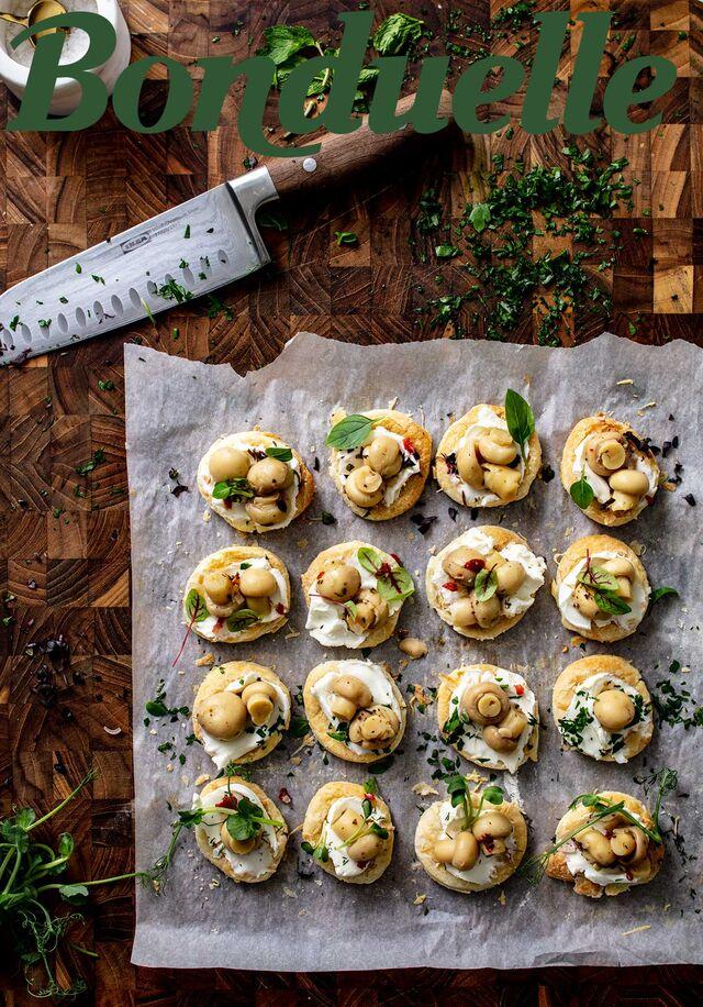 Проект Bonduelle. Приготовление, фуд-стайлинг, компоновка, фотосъемка блюд. Закуски с грибочками. Фуд-стилист, фотограф Слава Поздняков.