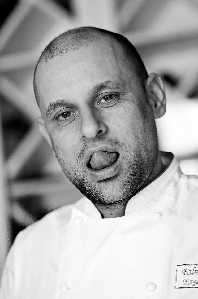 Фотосъемка шеф-повара в интерьере, ресторан Маруся