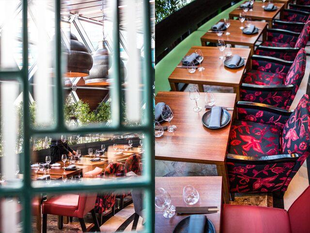 Детали интерьера ресторана Novikov Restaurant & Bar