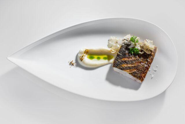 Фотосъемка филе рыбы с соусом для меню ресторана «АМАРСИ». Фуд стилист и фотограф Слава Поздняков | Slava Pozdnyakov