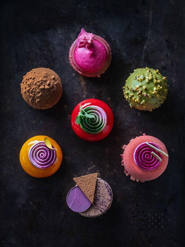 Фотосъемка композиции десертов. Фуд-стайлинг, компоновка десертов. Фуд-стилист, фотограф Слава Поздняков.