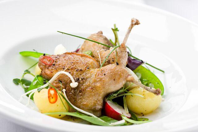 Фотосъемка блюд на белом фоне для меню ресторана Дилижанс