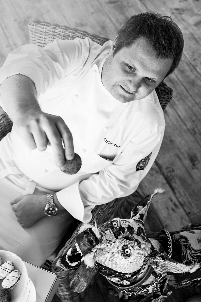 Фотосъемка портрета шеф-повара для журнала. Фотограф Слава Поздняков