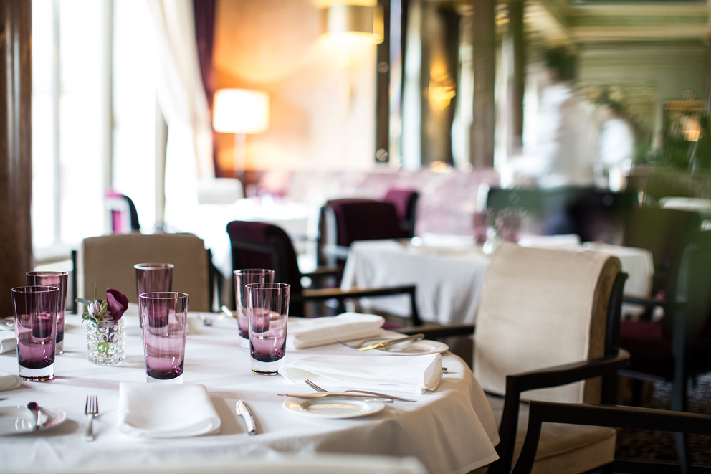 Фотосъемка интерьера ресторана «Метрополь». Фотограф Слава Поздняков.