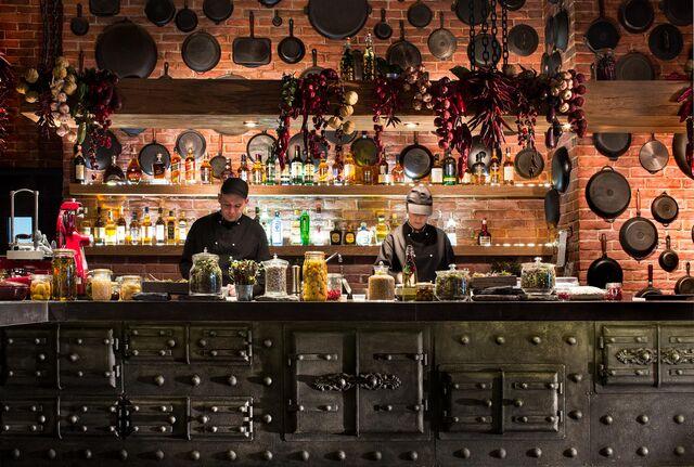Фотосъемка ресторана барной зоны ресторана Шинок. Интерьерный фотограф Вячеслав Поздняков