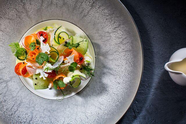 Фотосъемка салата для меню ресторана Метрополь. Фуд-стилист и фотограф Слава Поздняков