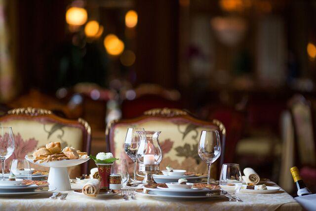 Фотосъемка сервировки столов ресторана Националь