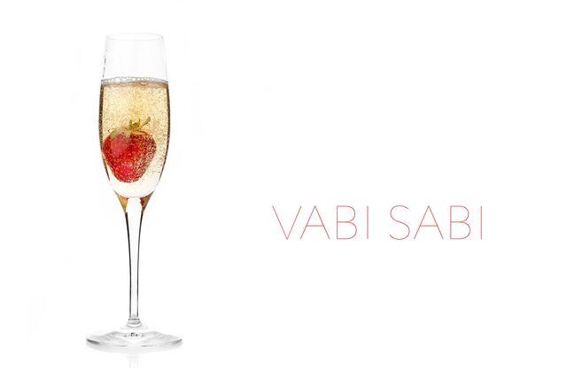Фотосъемка шампанского с клубникой для Ваби-Саби