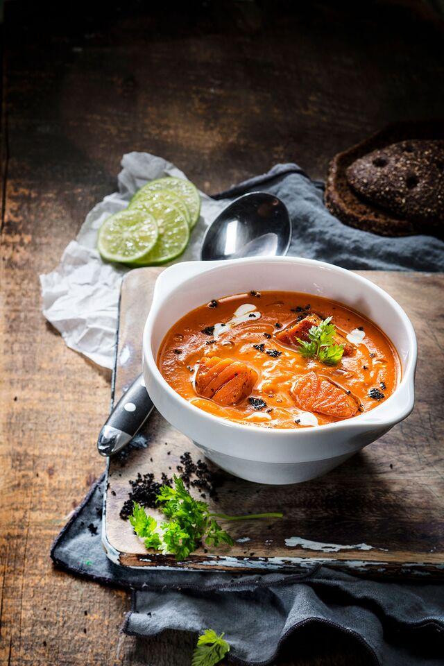 Фотосъемка супа для меню Traveler's Сoffee. Food stylist Slava Pozdnyakov