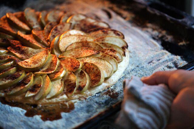 Фуд съемка. Мастер-класс по приготовлению яблочного пирога для журнала Хлеб Соль