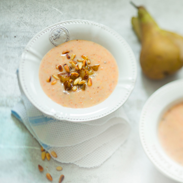 Грушевый суп-пюре с морковкой. Разработка рецепта, приготовление, фуд-стайлинг. Фуд-стилист и фотограф Слава Поздняков