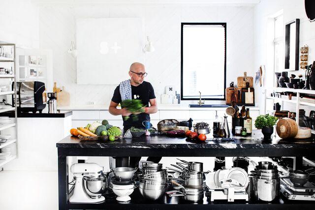 Кухня-студия SLAVAPOZDNYAKOVSTUDIO. Пространство для съемки.