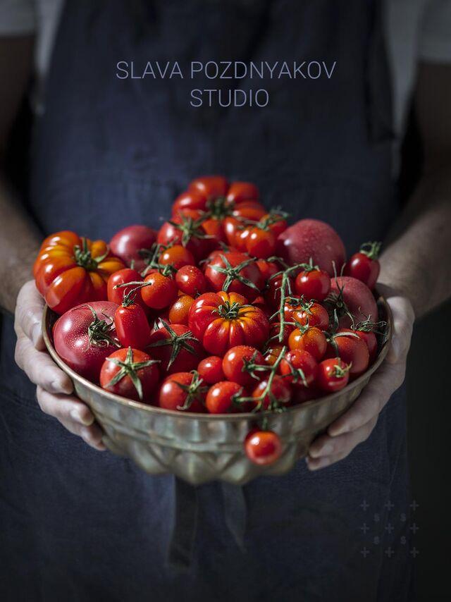 Проект КУХМАСТЕР. Фотосъемка для каталога. Фотосъемка томатов, приготовление блюд, фотосъемка. Фуд-стилист, фотограф Слава Поздняков.