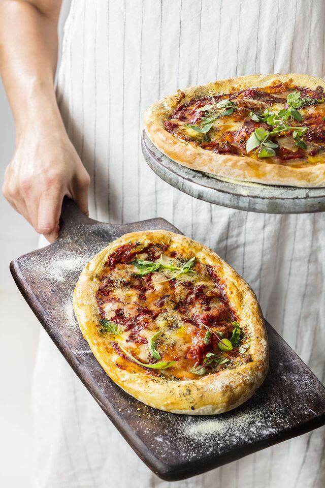 Проект КУХМАСТЕР. Фотосъемка для каталога. Фотосъемка пиццы. Фотосъемка соусов, приготовление блюд, фотосъемка блюд. Фуд-стилист, фотограф Слава Поздняков.
