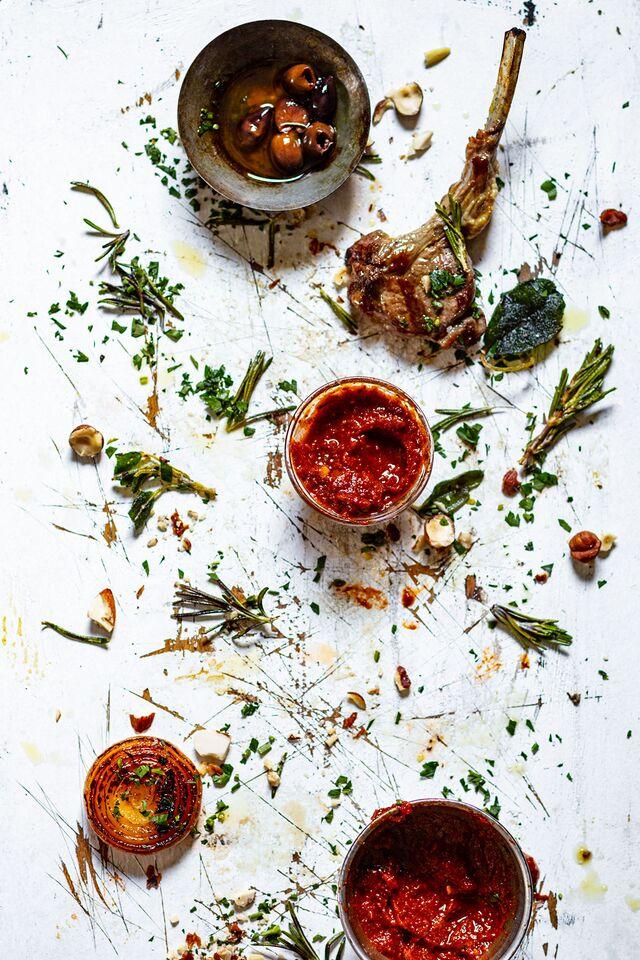Проект КУХМАСТЕР. Фотосъемка для каталога. Фотосъемка композиций. Фотосъемка соусов, приготовление блюд, фотосъемка блюд. Фуд-стилист, фотограф Слава Поздняков.