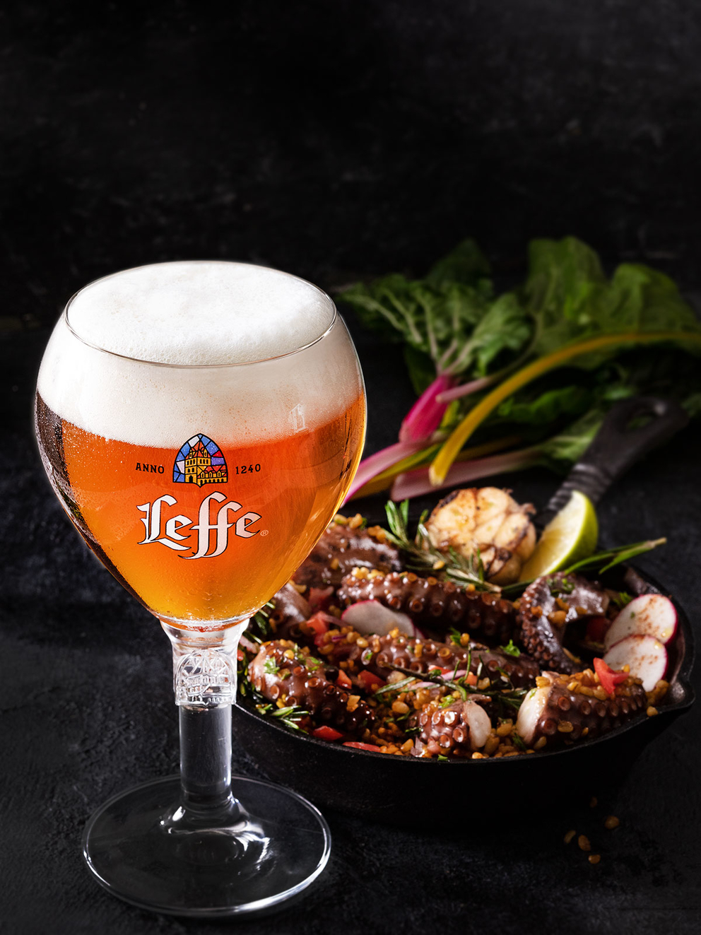 Leffe. Фотосъемка пива для ABInBev. Приготовление блюд, фуд-стайлинг, фотосъемка. Шеф-повар, фуд-стилист, фотограф Слава Поздняков.