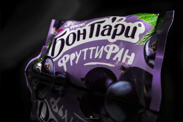 Фотосъемка на упаковку конфет БОН ПАРИ. Nestle. Фотосъемка конфет.Фотосъемка упаковки. Фуд-стайлинг, компоновка, фотосъемка конфет. Фуд-стилист, фотограф Слава Поздняков.