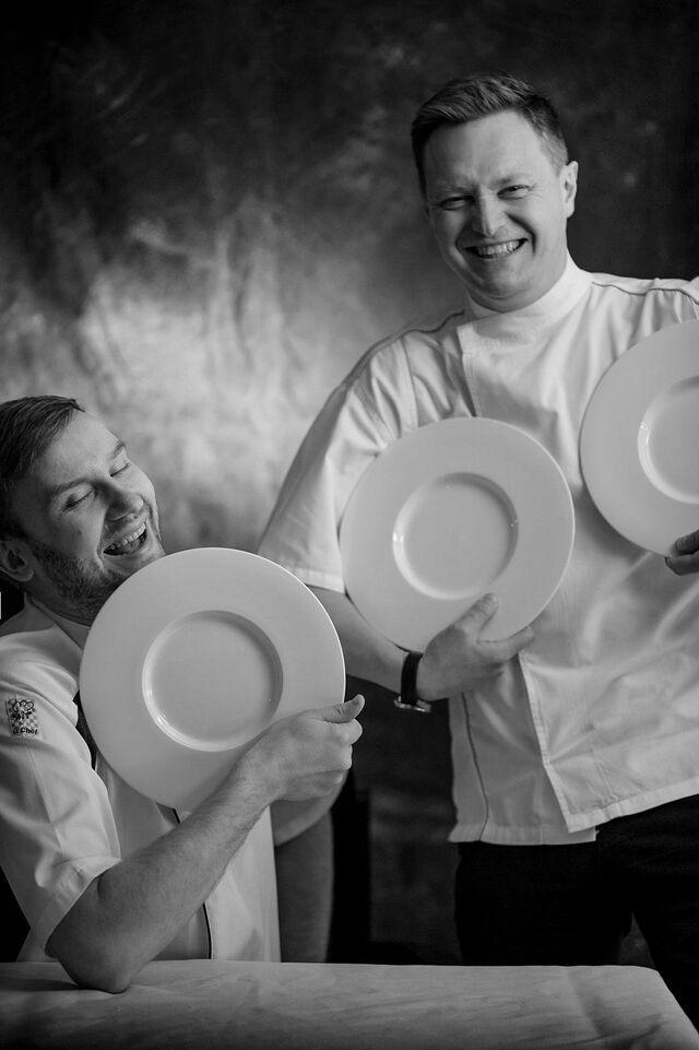 Портрет в интерьере ресторана Метрополь. Фотограф Слава Поздняков