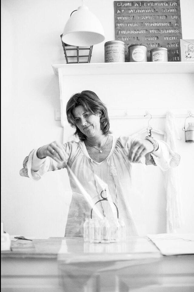 Портрет в интерьере магазина. Фотограф Слава Поздняков