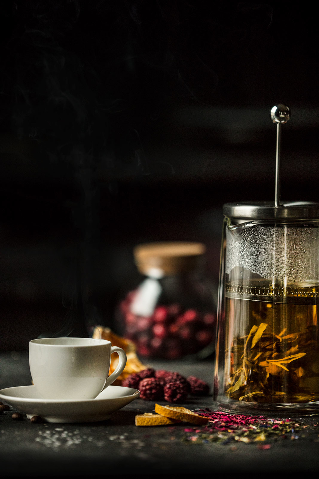 Рекламная фотосъемка чая во френч прессе «Tea Co». Фотосъемка ассортимента Tea Co
