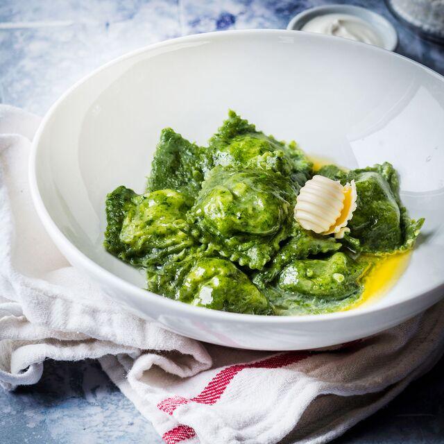 Равиоли со шпинатом. Приготовление, фуд-стайлинг, фуд съемка блюд по рецептам Bonduelle