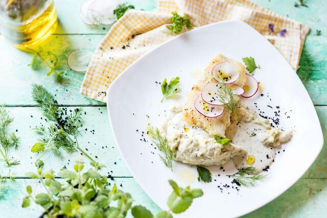 Фотосъемка композиции для летнего меню. Рыба с картофелем. Фуд-стилист и фотограф Слава Поздняков