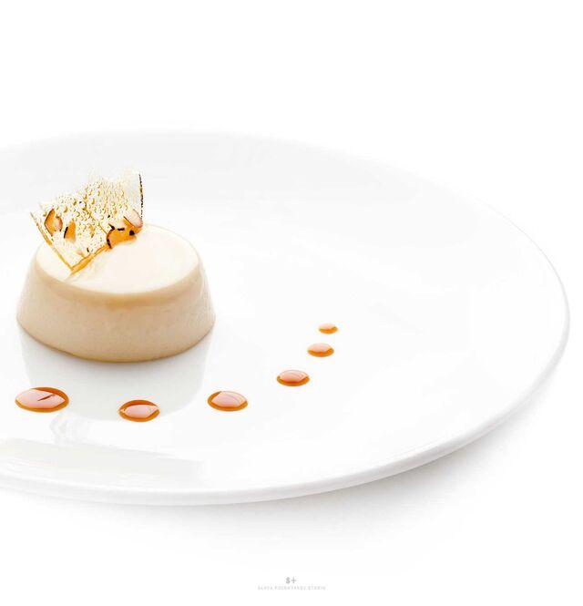 Фотосъемка блюд для меню ресторана. Фуд-стайлинг, компоновка, фотосъемка десертов. Фуд-стилист, фотограф Слава Поздняков.