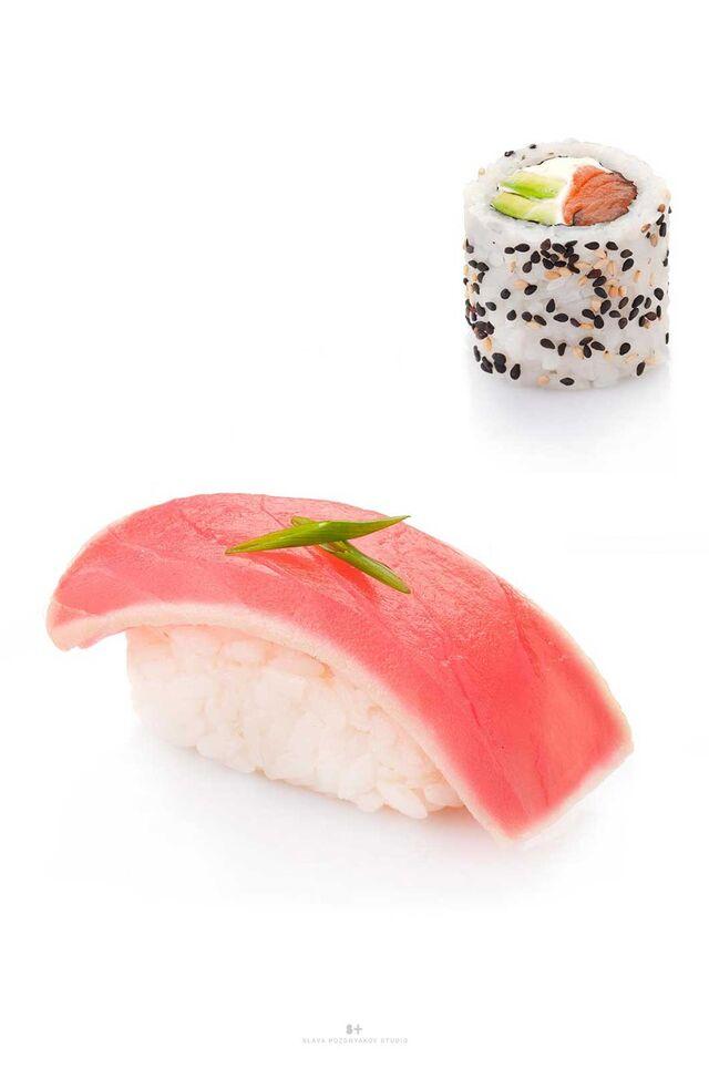 Фотосъемка блюд для меню ресторана. Фуд-стайлинг, компоновка, фотосъемка суши, роллов, сетов. Фуд-стилист, фотограф Слава Поздняков.