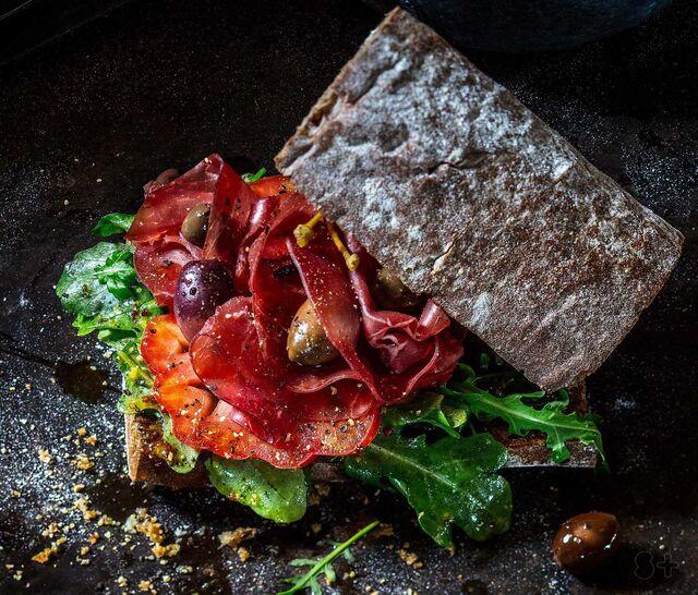 Фотосъемка сэндвича. Кафе Чистая Линия.Фуд-стилист, фотограф Слава Поздняков.