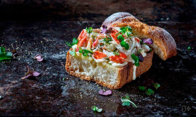 """Сэндвич с камчатским крабом.Фуд-стайлинг, компоновка, фотосъемка для кафе """"Чистая Линия"""". Фотограф и фуд-стилист  Слава Поздняков."""