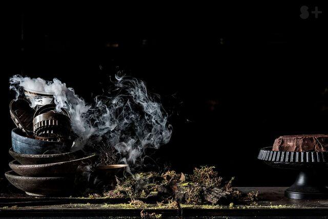 Рекламная фотосъемка черного шоколада. Фотограф и фуд-стилист Слава Поздняков.