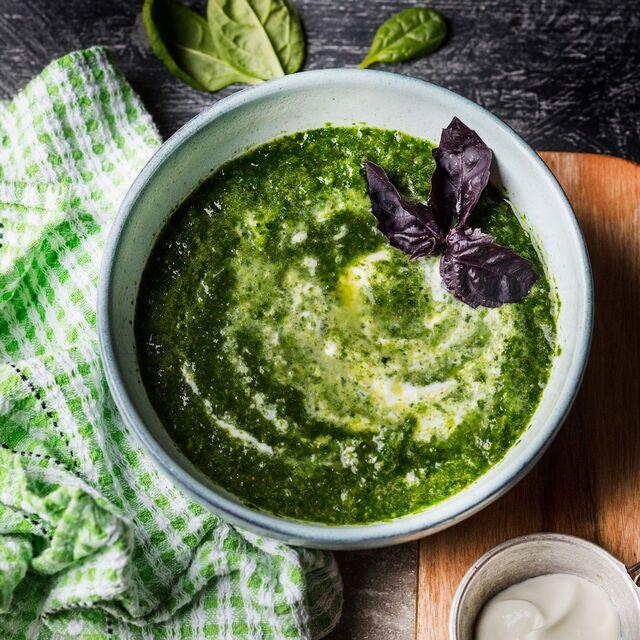Суп-пюре со шпинатом. Приготовление, фуд-стайлинг, фотосъемка блюд по рецептам Bonduelle