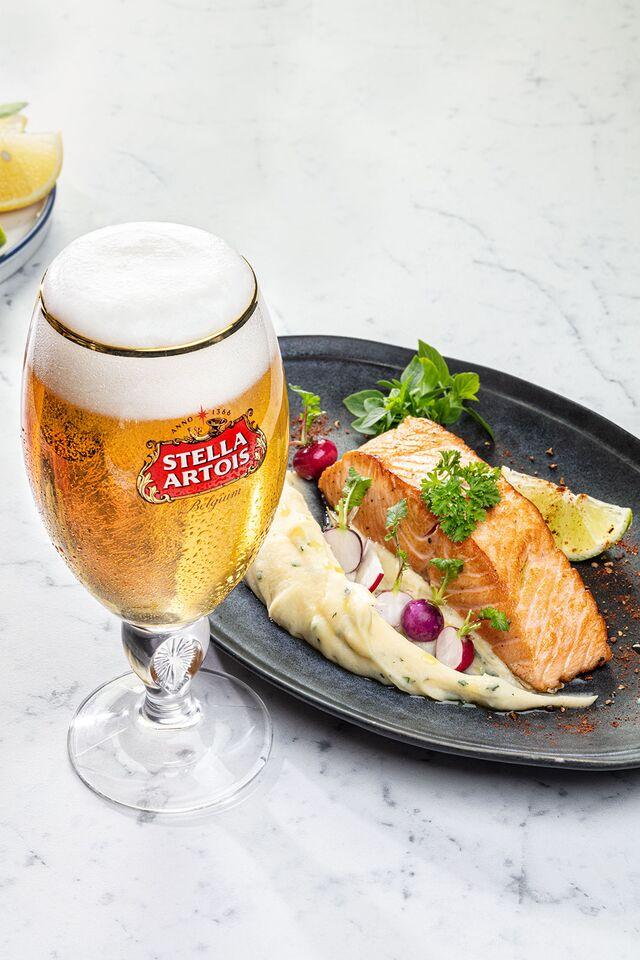 Stella Artois. Фотосъемка пива для ABInBev. Приготовление блюд, фуд-стайлинг, фотосъемка. Шеф-повар, фуд-стилист, фотограф Слава Поздняков.