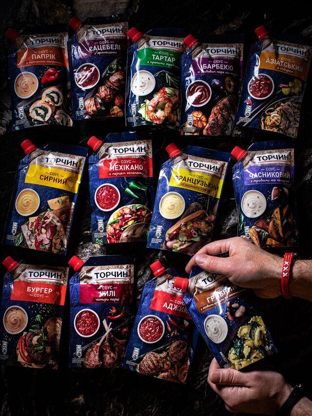 Фотосъемка соусов на упаковку. ТОРЧИН. Nestle. Приготовление блюд, фуд-стайлинг, компоновка, фотосъемка композиций. Фуд-стилист, фуд-фотограф Слава Поздняков.