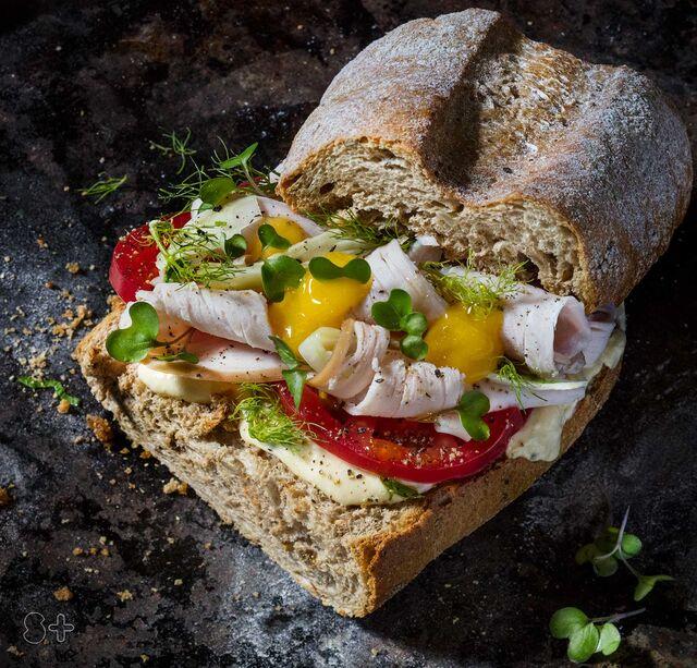 Фотосъемка сандвича с манго соусом и фенхелем. Фуд-стилист, фотограф Слава Поздняков.
