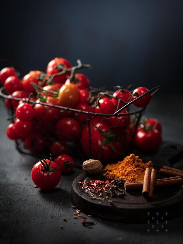 Фотосъемка томатов. Фотосъемка композиций. Фотограф, фуд-стилист Слава Поздняков.