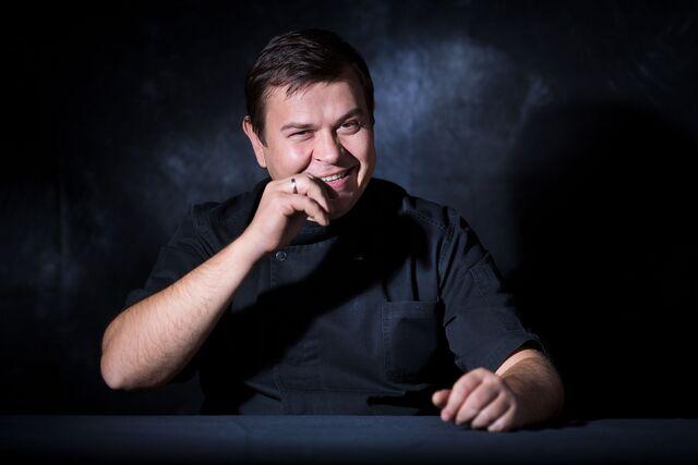 Фотосъемка портрета шеф-кондитера Виктора Аверкова. Фотограф Слава Поздняков