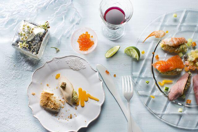 Новогодние закуски с рыбой и мясом. Фотограф и фуд-стилист Слава Поздняков
